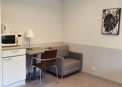 toimisto 1, n. 13 m²